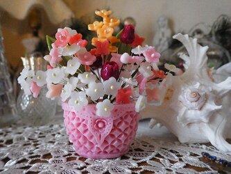 小さな石鹸かごに花盛り(モリモリタイプ)。ソープカービングの画像