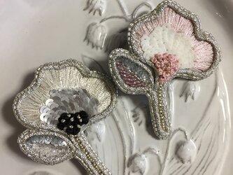 花の刺繍ブローチ(Ⅹ)ピンクの画像