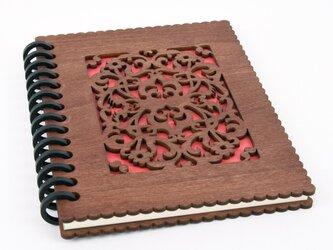 木のノートブックB 洋風唐草(木製ルーズリーフ)の画像
