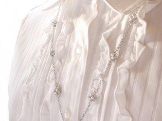 小花パールのネックレスの画像