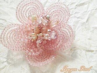 お花のコサージュ・ブローチ(さくら)の画像