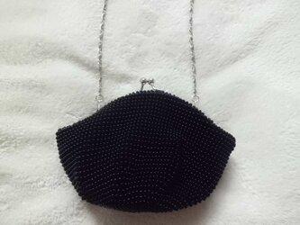 ビーズ編みがま口ポーチ 黒の画像