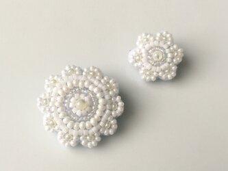 pure white lace A ブローチの画像