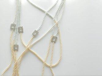 【特別感謝セール】淡色のバイカラーネックレスの画像