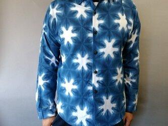 雪花絞り染め長袖シャツの画像