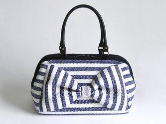 手織りウールのリボン・ボストンバッグ*ファスナータイプ(青×白ボーダー)の画像