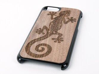 木彫りのスマホカバー ヤモリ(iPhone 7 専用)Walnut Smart Phone Coverの画像