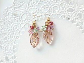 89.葉っぱのノンホールピアス(ピンク)の画像