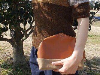 栗クラッチバッグ(茶きつね)の画像
