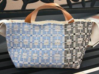 北欧手織りトートバッグ(ブルー×ブラック)の画像