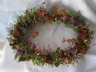 おしゃべりな草花たち*オーバルリースの画像
