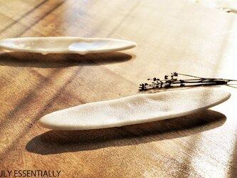 純白ガラスの器 -「 KAZEの肌 」● 27cm・絹目調の画像