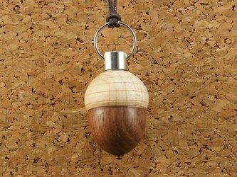 木製アロマペンダント・ドングリの画像