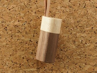 木製アロマペンダント・木製蓋タイプ(メープル+ウオールナット)の画像