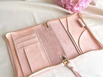 春色淡いピンクの手帳ケース文庫本サイズの画像
