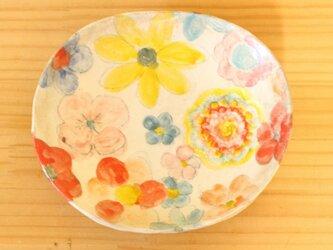 粉引きお花のオーバルプレート。の画像