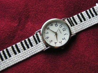 ビーズ織の時計ベルト(18mm) 鍵盤柄 ベルトのみ の画像