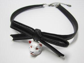 柴犬 RIBBON CHORKERレジン(白×黒)の画像