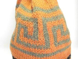 アルパカ・ウールのニット帽子。手編み。の画像