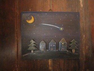 夜空に流れ星の画像