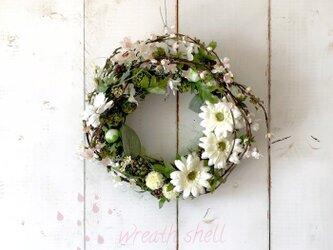 フラワーガーデンリース・桜と白いお花たちの画像