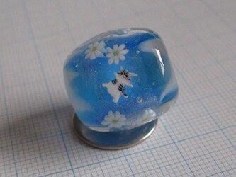 猫と花(青)の画像