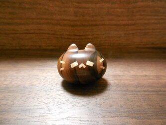 縞黒檀のピンズ ネコノカミの画像