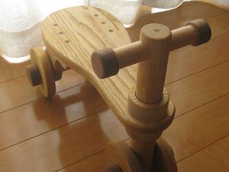 木製乗り物おもちゃ(栗の木)の画像