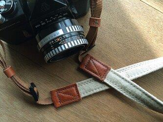 ■nori. カメラストラップ リネン+キャンバス (キナリ)の画像