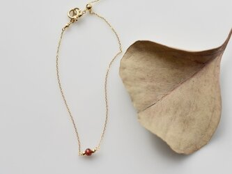 [10金]小さな赤い実のブレスレットの画像