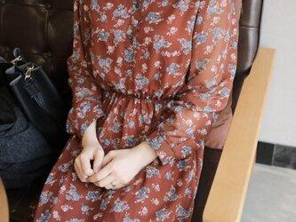 レッドブラウン ネイビー★ボタニカル柄シフォンロングワンピース★送料無料有りの画像