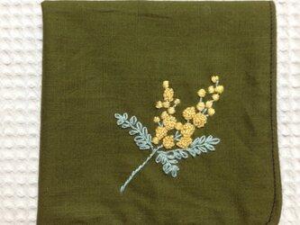 コットンの刺繍ハンカチ☆ミモザの画像