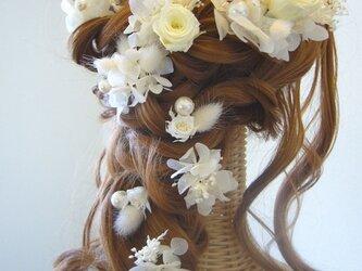 純白の花嫁♡シンプルヘッドドレス ホワイトカラー プリザーブドフラワーの画像