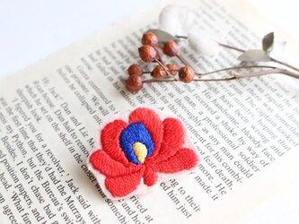 マチョー刺繍ブローチ【赤】の画像