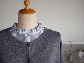 ストライプ柄付け襟のインナーバージョン(半袖杢グレーフリル襟)の画像