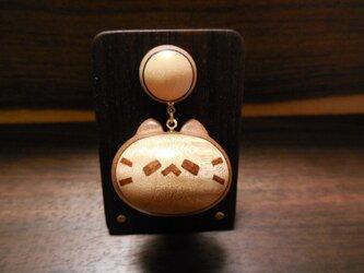 きぐるみ寄木のネコノカミ勲章(楓縮み杢×山桜老木)の画像
