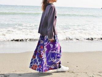 着物リメイク・銘仙のロングスカート・パッチワーク(紫~グレー・M~L)の画像
