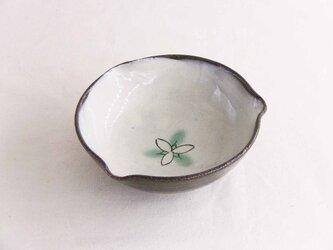 エンレイソウ線描二彩小鉢の画像
