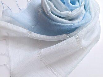 *藍白×勿忘草色*ふんわり シルクショールの画像