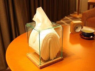 高級感のあるコルクとアクリルの透明クリスタル縦型ティッシュボックスの画像