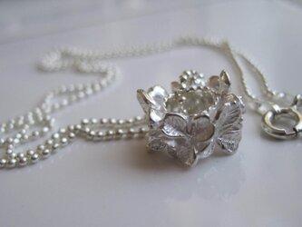 白詰草(シロツメクサ クローバー)のネックレスの画像