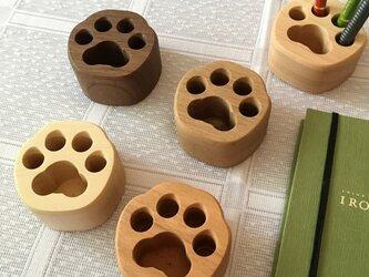 肉球ペン立て 足型 ペンスタンド 無垢の木 子猫、子犬の画像
