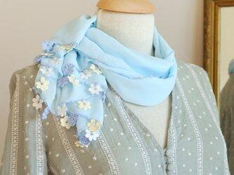 【再販】レースの花付き シフォンストール「マリー/2辺」ベビーブルーの画像