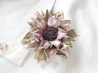 【K様ご注文分】革のコサージュ ラシニア(グレイッシュピンク)の画像