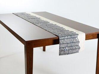テーブルランナー 北欧 ブラックホワイトウェーブ 天然リネン 183×30cm jubileetabletrlmp001の画像