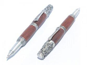 【受注製作】木製の回転式ボールペン(ココボロ;ピューター(しろめ)のメッキ)の画像