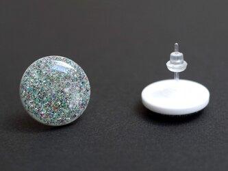 樹脂ポスト:銀ラメグリッターピアスの画像