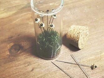 お花マチ針/ゴールド/10本セット/ボトル付きの画像