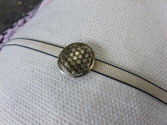 真鍮ブラス製 小紋風デザイン帯留め 着物や浴衣にの画像