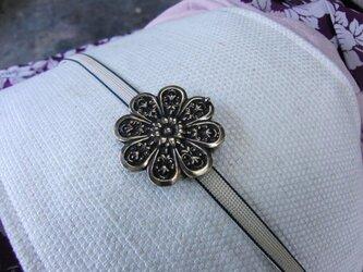 真鍮ブラス製 菊の家紋風デザイン帯留め 着物や浴衣の帯締め飾りにの画像